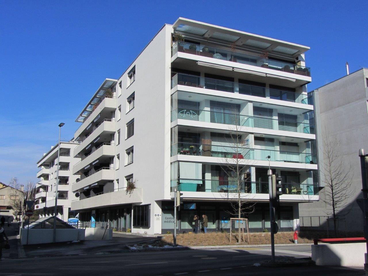 9.Immeuble de 25 appartements et parking
