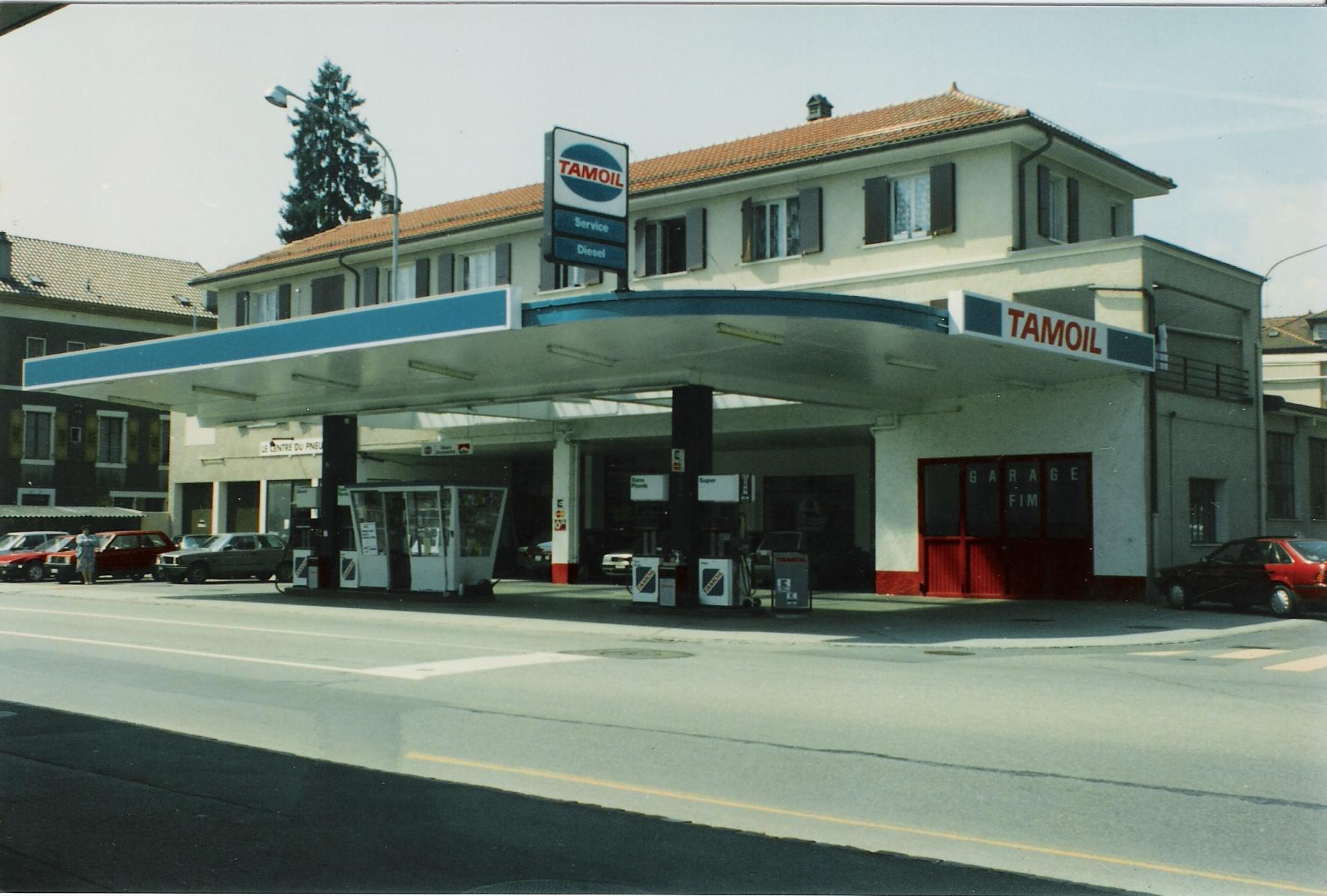 8-1989-garage