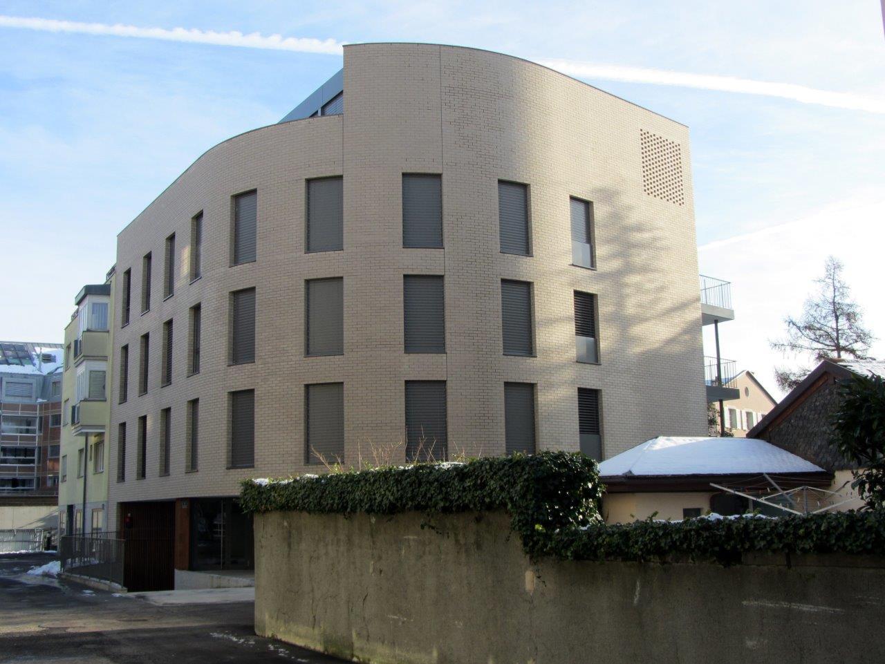 1.Immeuble de 8 appartements avec garage